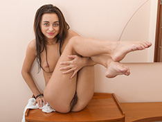 Dominika Sand strips off clothes in her commode
